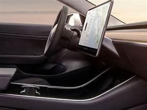 Tesla Model X Prix Ttc : en images la tesla model 3 d voile son int rieur avec tablette g ante tesla model 3 gros ~ Medecine-chirurgie-esthetiques.com Avis de Voitures