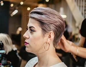 Comment Se Couper Les Cheveux Court Toute Seule : 6 coiffures faciles pour les cheveux courts coupe courte ~ Melissatoandfro.com Idées de Décoration