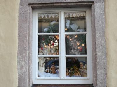 fenster f 252 r weihnachten dekorieren