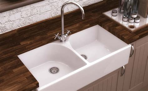 kitchen sinks uk how to choose a kitchen sink homebuilding renovating 3063
