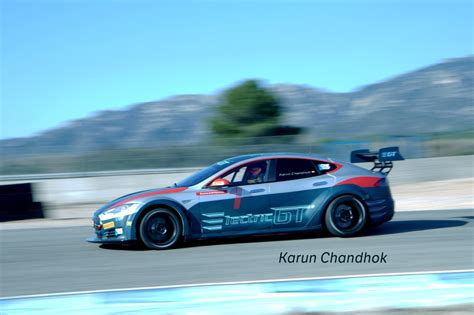 le championnat electric gt utilisera des tesla model