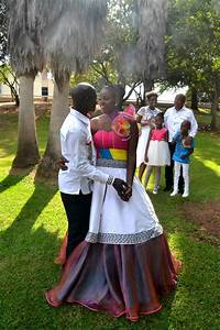Pictures of south african traditional wedding dresses for Typical wedding photos