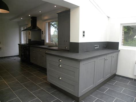 cuisine moderne laquée gris patine gris foncé gilles martel