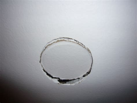 boucher trou mur awesome comment rparer un gros trou dans