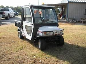 Cushman Commander Gas-powered Golf Cart