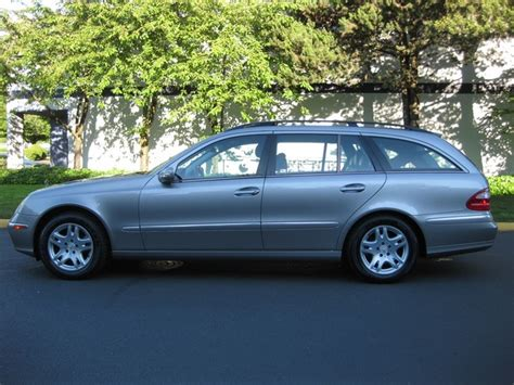 We're sorry, our experts haven't reviewed this car yet. 2004 Mercedes-Benz E320 WAGON V6 / 3RD SEAT / FULLY LOADED