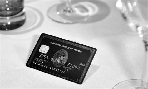 Whatever they spend must be paid back in full each month. Amex Centurion (black card) Ce qu'il faut retenir...