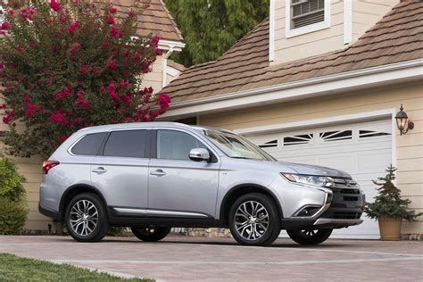 Mitsubishi Outlander Ratings by 2017 Mitsubishi Outlander Review Ratings Specs Prices