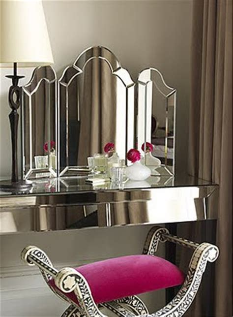 Glamorous Vanity by Eye For Design Decorating With Vanity Tables