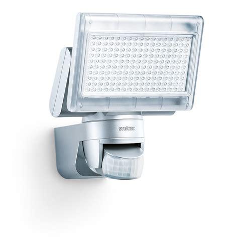 led außenbeleuchtung mit bewegungsmelder test steinel xled home 1 led strahler mit bewegungsmelder heim und haus de