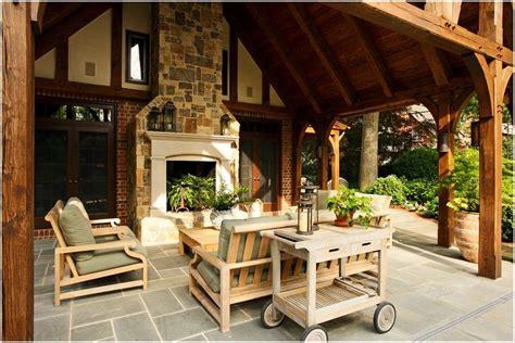 Patio-traditional-richmond-brick-walls-covered-patio