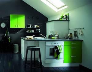Deco Mur Cuisine : photo decoration cuisine mur vert pomme ~ Teatrodelosmanantiales.com Idées de Décoration