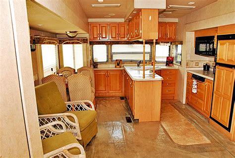 wheel trailers  sale  modern rv center
