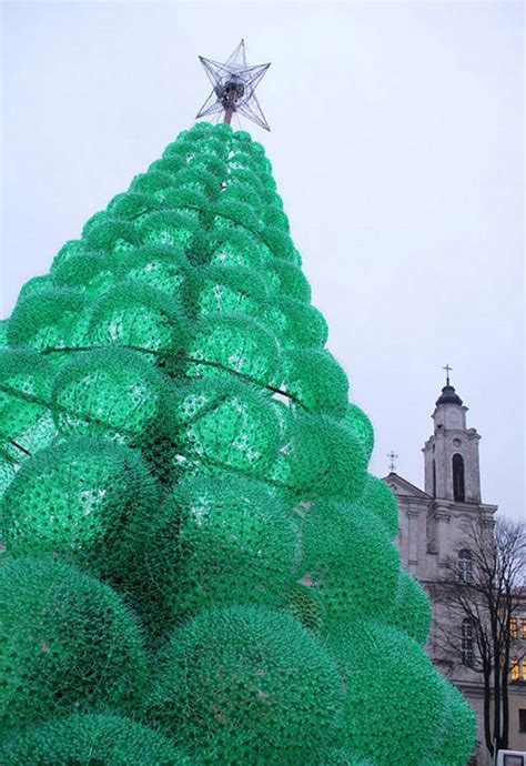 christmas trees made of bottles wordlesstech tree made from 32 000 plastic bottles