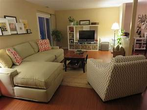 Long living room layout la vie de brie for Long living room layout