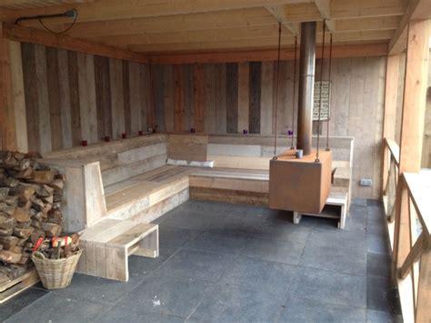 tuinhuis met open haard mijn overkapping met open haard en lounge bank tuin