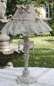 Shabby Chic Lampen : lampe en bronze patinee ivoire abat jour shabby chic soie et dentelle lampen co pinterest ~ Orissabook.com Haus und Dekorationen
