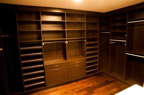 250 West Street High End Walk In Closet