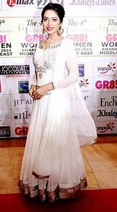 Download Asha Negi At The 4th GR8 Women Awards 2014