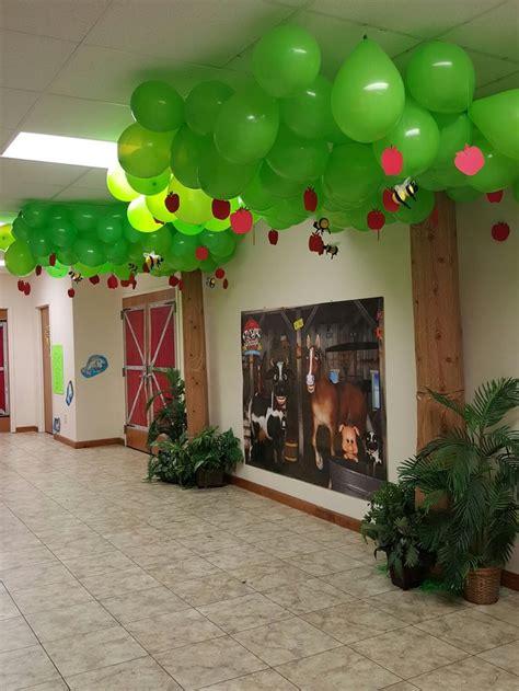 Vbs Decorations - best 25 farm vbs ideas ideas on