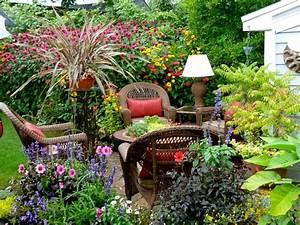 clay and limestone: Big Ideas From Small Gardens ~Buffa10
