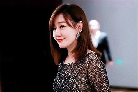 """""""哈妹""""薛佳凝:笑容最治愈的女星,却因为抑郁而选择皈依_腾讯新闻"""