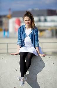 Kleid Mit Jeansjacke : daily outfit jeansjacke und wei es kleid lebe berlin ~ Frokenaadalensverden.com Haus und Dekorationen