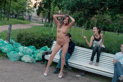 Shameless Russian Teen Slut Walks Naked Before Strangers At Park Russian Sexy Girls Sar Ru