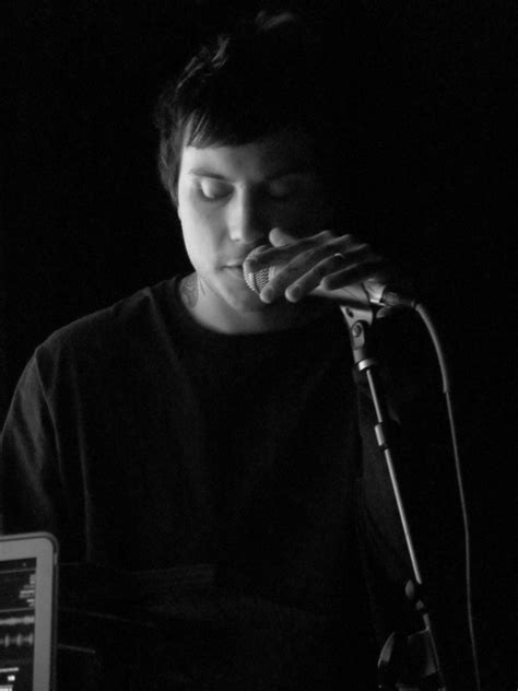 frank iero weight height ethnicity hair color eye color