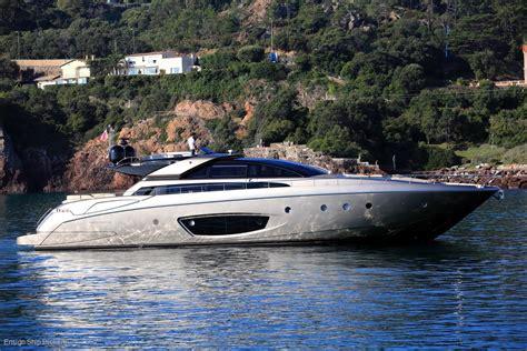 riva  domino power boats boats   sale fibreglassgrp queensland qld