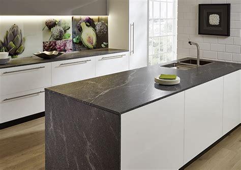 Material Und Dekor Der Arbeitsplatte Prägen Die Küche Ganz