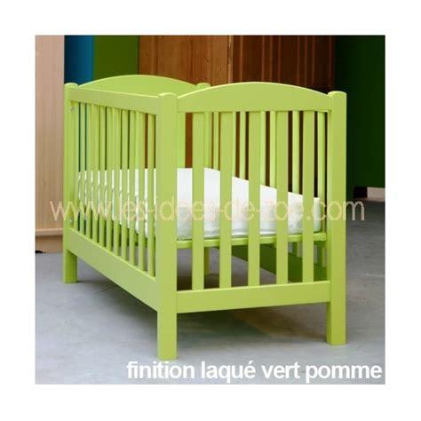 lit bebe vert