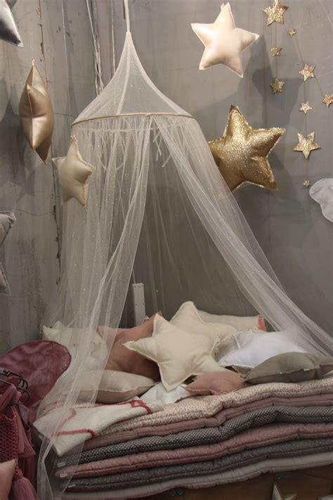 chambre des enfants numéro 74 chambre d 39 enfants linge de lit coussin étoiles