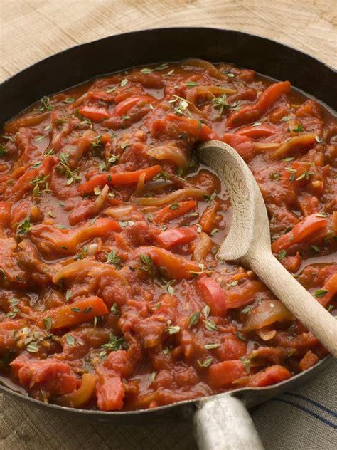 specialite basque cuisine cinq plats à goûter en vacances au pays basque