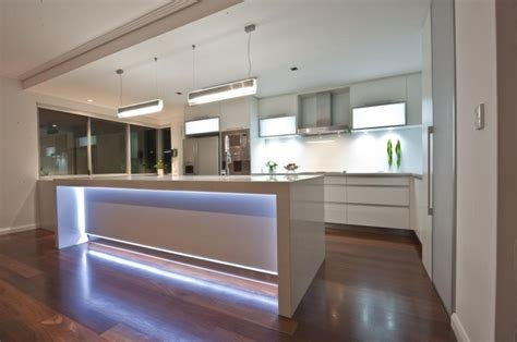 Led Lights In Island Bench Homes By Dalessio (builder