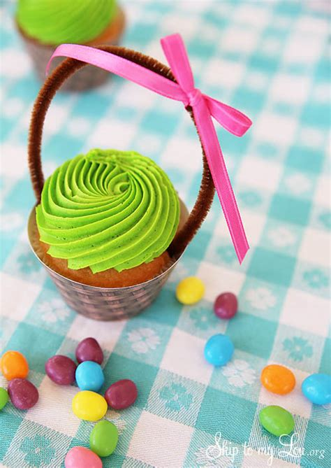 how to make easter cupcakes easter basket cupcakes cupcake wrapper printable blog hop skip to my lou
