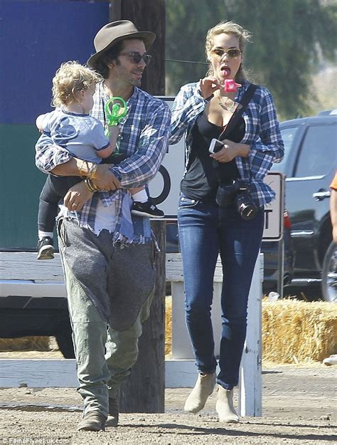 Pumpkin Patch Moorpark by Elizabeth Berkley Tucks Into Popsicle During Family Day