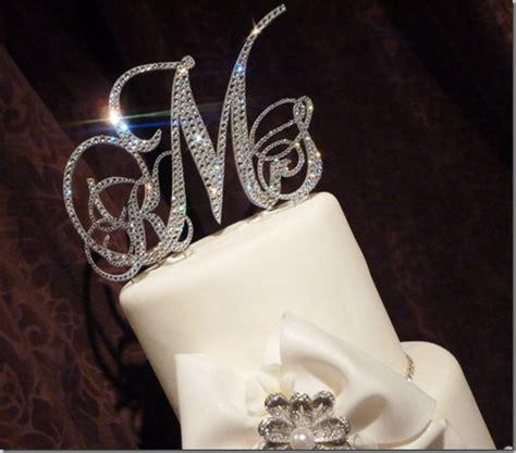 win  swarovski crystal monogram cake topper momentsofelegancecom kicks    wedding