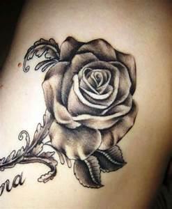 Rosen Tattoo Klein : 20 kleine rose tattoos ideen und entw rfe ~ Frokenaadalensverden.com Haus und Dekorationen