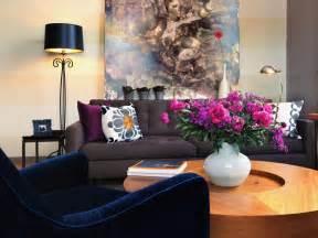 style  decorate home  blue velvet sofa