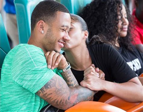 memphis depay proposes  girlfriend lori harvey daily