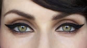 how to do cat eye makeup easy cat eyeliner tutorial how to do cat eye makeup in 5