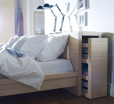 tete de lit avec rangement integre