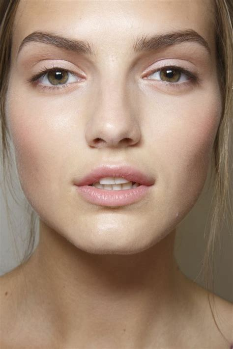 Maquillage Simple Yeux Marrons Quot No Make Up Look Quot Avec Un Maquillage Discret