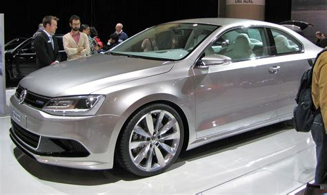 Volkswagen New Compact Coupé