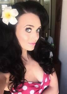 Katy Perry lookalike: Francesca Brown recreates pop star's ...