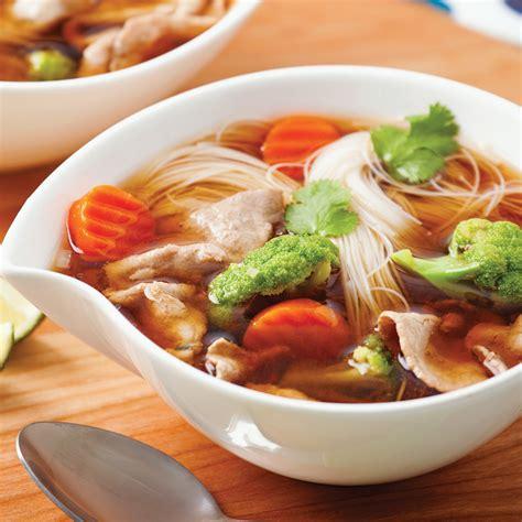 cuisine asiatique boeuf soupe asiatique au boeuf et légumes soupers de semaine