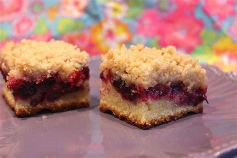 cuisiner des gateaux crumb cake au cassis pour ceux qui aiment cuisiner