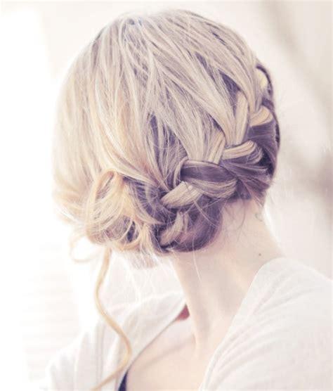 braided hairstyles    romantic