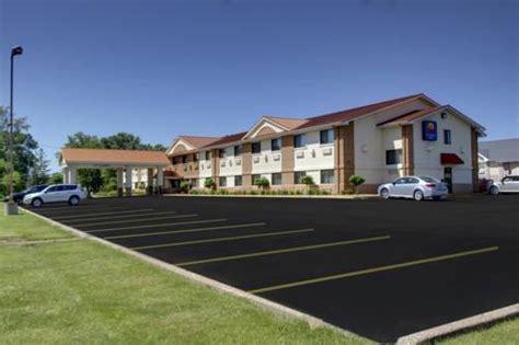 comfort inn moline il comfort inn by choice hotels moline il aaa
